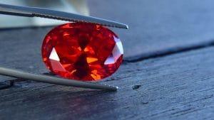Rubín ve své typické červené barvě